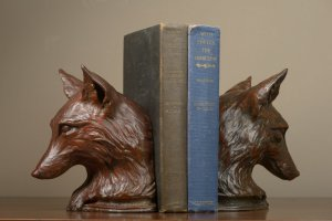 Rikki Morley Saunders, Fox Bookend, 2012, bronze, 7 1/2 x 6 x 5 3/4 inches, edition of 24